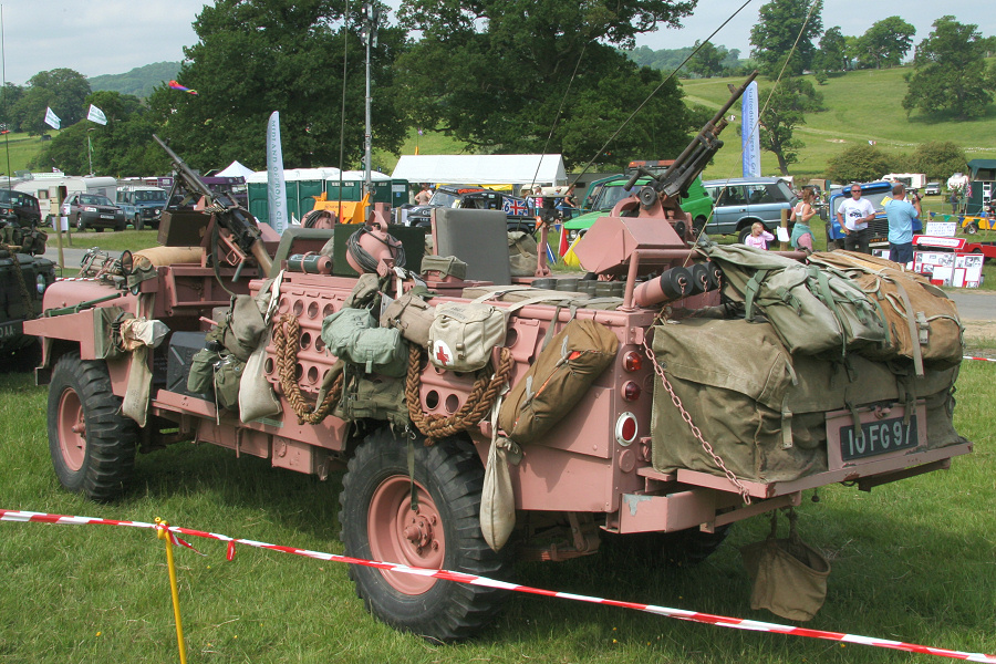 Adrian S Tomcat 100 Quot Land Rover Pink Panthers